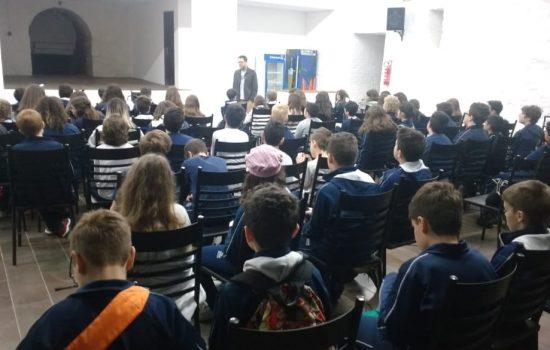Bate papo com o autor Caio Riter na escola Marista Pio XI