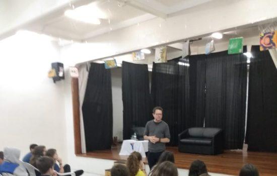 Encontro com alunos – Caio Riter