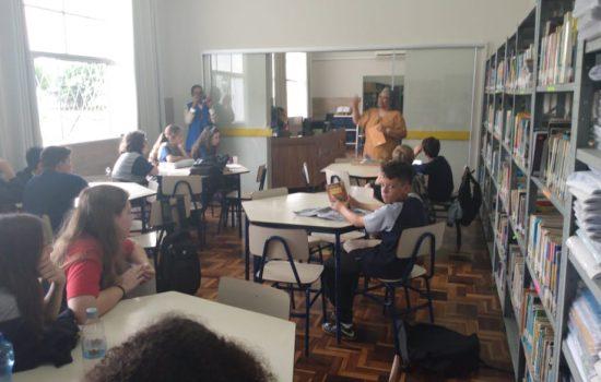 Encontro com a autora Heloisa Pires Lima no colégio Santa Luzia, Porto Alegre