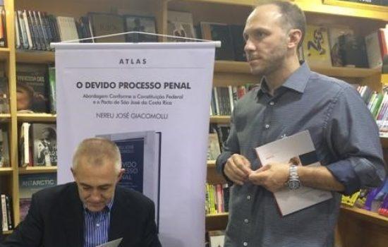 Escritor da Semana: Nereu Giacomolli